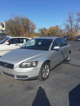 2005 Volvo S40 for sale at Bates Auto & Truck Center in Zanesville OH