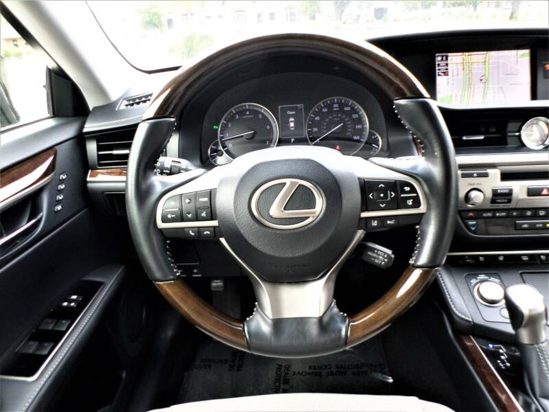 2017 Lexus ES 350 4dr Sedan - Mckinney TX