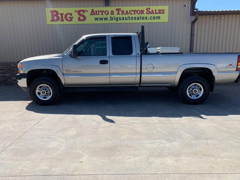 2002 GMC Sierra 2500HD for sale at BIG 'S' AUTO & TRACTOR SALES in Blanchard OK