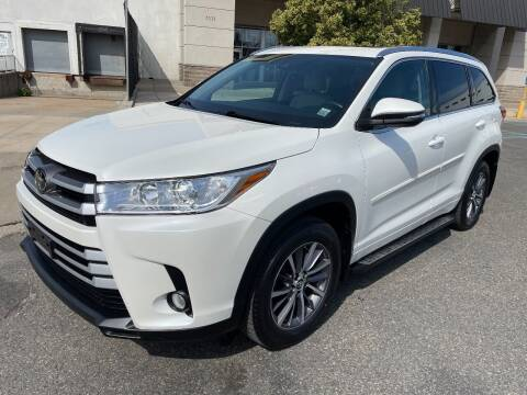 2018 Toyota Highlander for sale at HI CLASS AUTO SALES in Staten Island NY