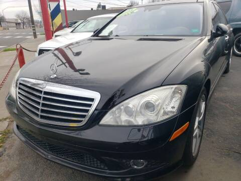 2007 Mercedes-Benz S-Class for sale at MCHENRY AUTO SALES in Modesto CA