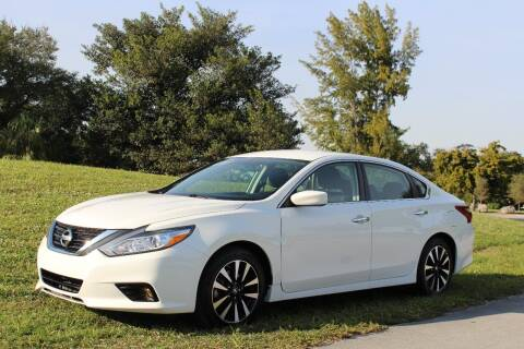 2018 Nissan Altima for sale at CHASE MOTOR in Miami FL