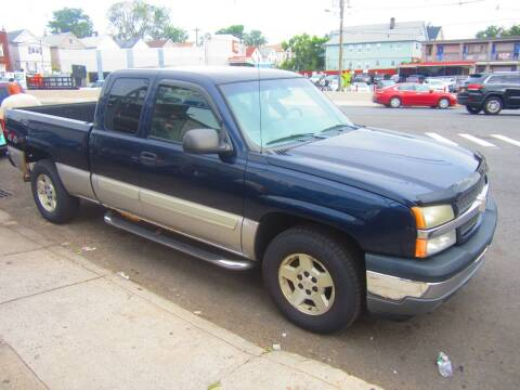2005 Chevrolet Silverado 1500 for sale at Cali Auto Sales Inc. in Elizabeth NJ