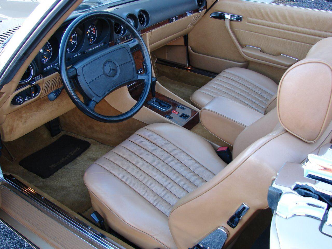 1986 Mercedes-Benz 560-Class 11