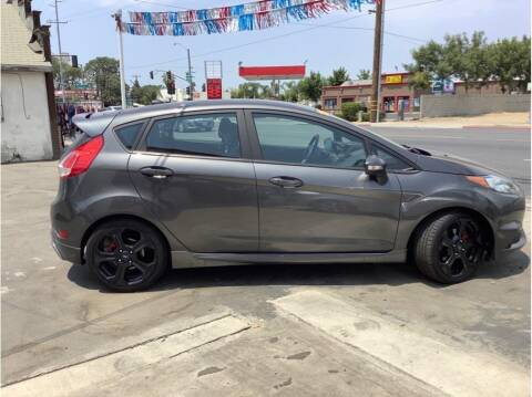 2017 Ford Fiesta for sale at Dealers Choice Inc in Farmersville CA