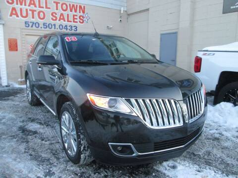 2013 Lincoln MKX for sale at Small Town Auto Sales in Hazleton PA