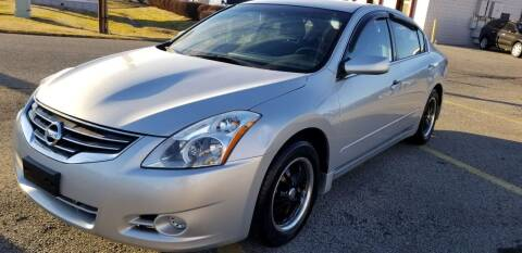 2010 Nissan Altima for sale at Derby City Automotive in Louisville KY