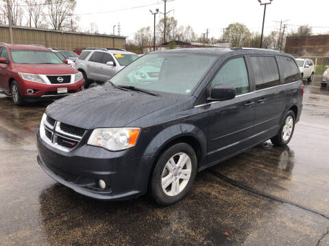 2013 Dodge Grand Caravan for sale at Smart Buy Auto in Bradley IL