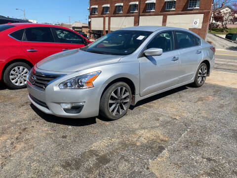 2015 Nissan Altima for sale at All American Autos in Kingsport TN
