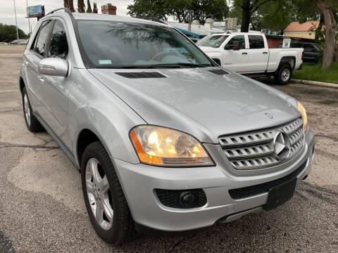 2008 Mercedes-Benz M-Class for sale at PRESTIGE AUTOPLEX LLC in Austin TX