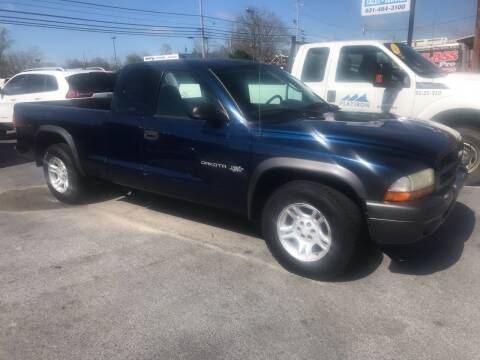 2002 Dodge Dakota for sale at Blue Bird Motors in Crossville TN