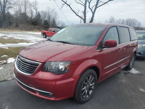 2015 Chrysler Town and Country for sale at Pack's Peak Auto in Hillsboro OH