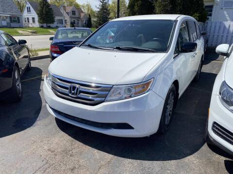 2013 Honda Odyssey for sale at CLASSIC MOTOR CARS in West Allis WI