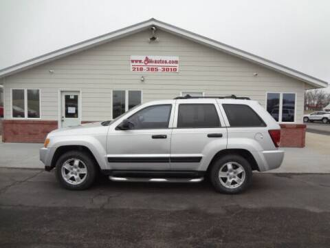 2005 Jeep Grand Cherokee for sale at GIBB'S 10 SALES LLC in New York Mills MN