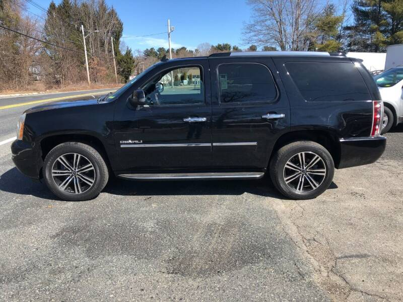 2011 GMC Yukon for sale at Perrys Auto Sales & SVC in Northbridge MA