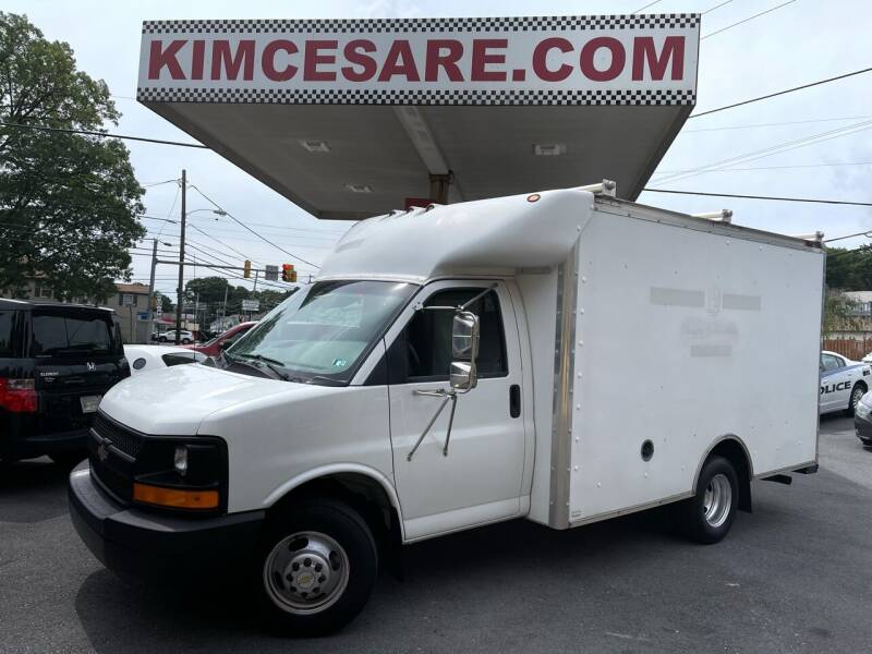 2004 Chevrolet Express Cutaway for sale at KIM CESARE AUTO SALES in Pen Argyl PA