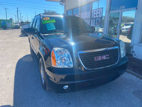 2013 GMC Yukon for sale at Lee Auto Group Tampa in Tampa FL