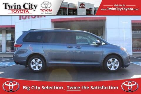 2017 Toyota Sienna for sale at Twin City Toyota in Herculaneum MO