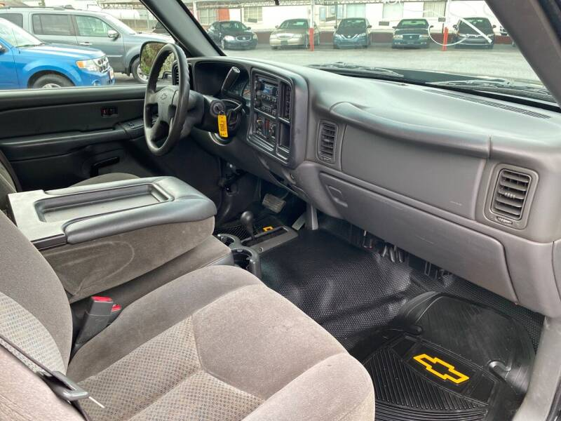 2006 Chevrolet Silverado 1500 LS 2dr Regular Cab 4WD 6.5 ft. SB - Elizabethton TN