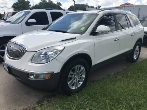 2009 Buick Enclave for sale at AMIGO USED CARS in Houston TX