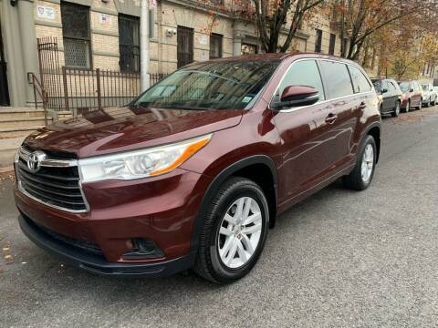 2015 Toyota Highlander for sale at Gallery Auto Sales in Bronx NY