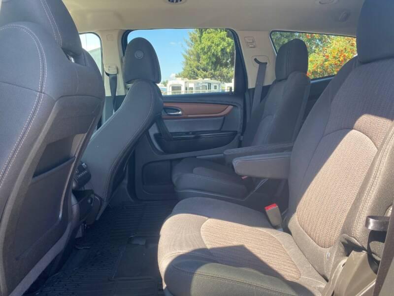 2017 Chevrolet Traverse AWD LT 4dr SUV w/2LT - Woodburn OR