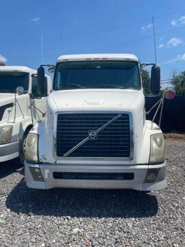 2005 Volvo VNL for sale at JAG TRUCK SALES in Houston TX