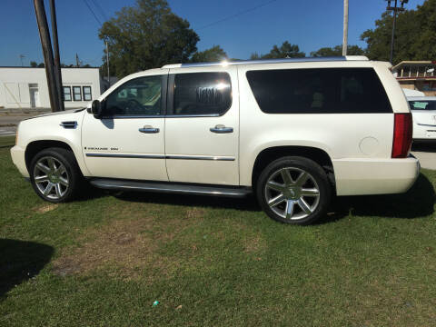 2007 Cadillac Escalade ESV for sale at LAURINBURG AUTO SALES in Laurinburg NC
