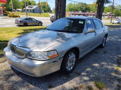 2009 Lincoln Town Car for sale at Ray Moore Auto Sales in Graham NC