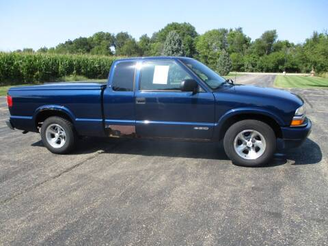 2001 Chevrolet S-10 for sale at Crossroads Used Cars Inc. in Tremont IL