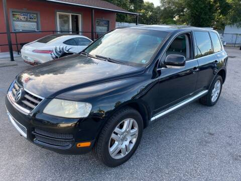 2004 Volkswagen Touareg for sale at CHECK  AUTO INC. in Tampa FL