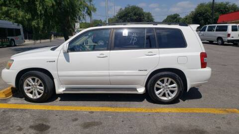 2006 Toyota Highlander Hybrid for sale at C.J. AUTO SALES llc. in San Antonio TX