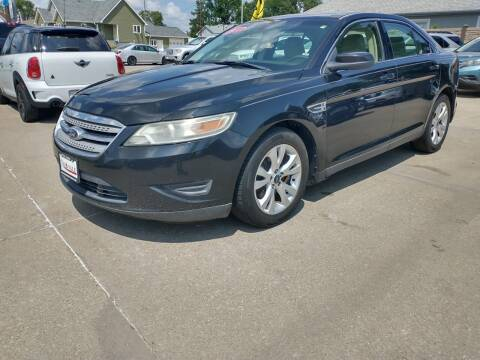 2011 Ford Taurus for sale at Triangle Auto Sales in Omaha NE