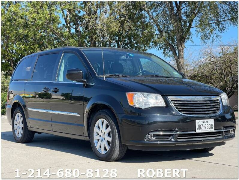 2016 Chrysler Town and Country for sale at Mr. Old Car in Dallas TX