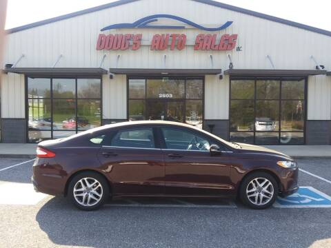 2013 Ford Fusion for sale at DOUG'S AUTO SALES INC in Pleasant View TN