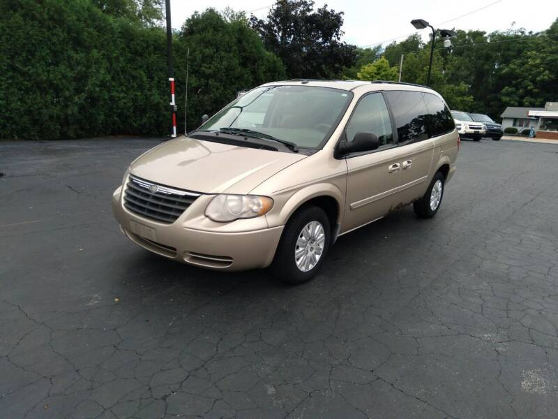 2006 Chrysler Town and Country for sale at Keens Auto Sales in Union City OH