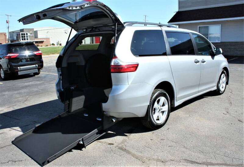 2018 Toyota Sienna for sale at New Mobility Solutions in Jackson MI
