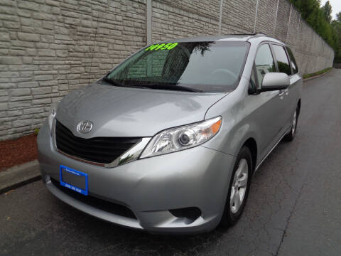 2011 Toyota Sienna for sale at Matthews Motors LLC in Algona WA