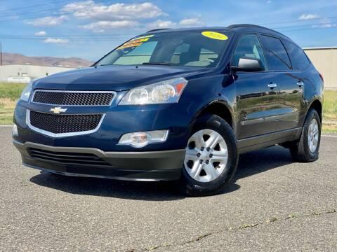 2010 Chevrolet Traverse for sale at Premier Auto Group in Union Gap WA