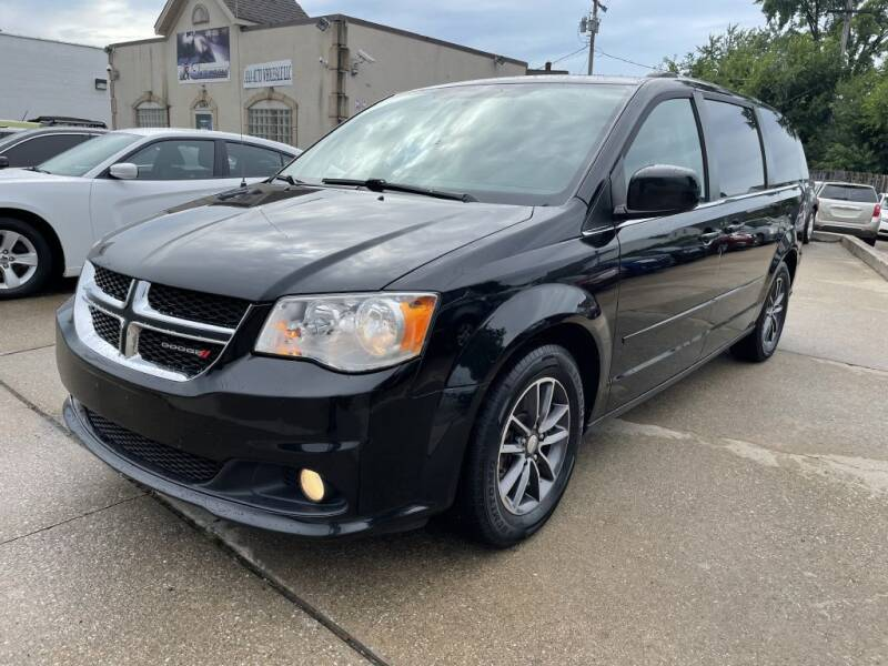 2017 Dodge Grand Caravan for sale at T & G / Auto4wholesale in Parma OH