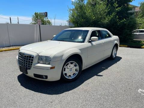 2006 Chrysler 300 for sale at Giordano Auto Sales in Hasbrouck Heights NJ