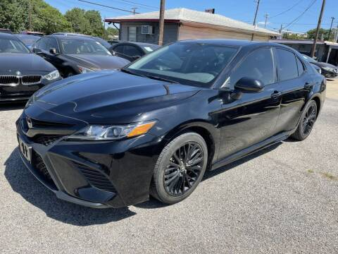 2020 Toyota Camry for sale at Pary's Auto Sales in Garland TX