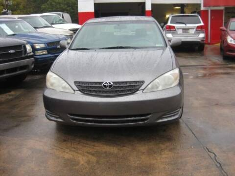 2004 Toyota Camry for sale at LAKE CITY AUTO SALES in Forest Park GA