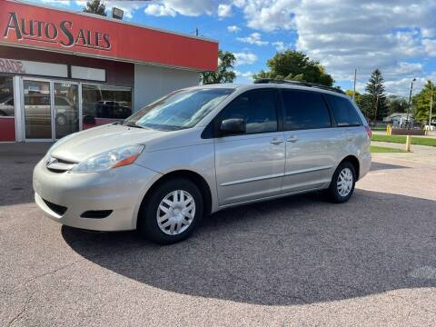 2008 Toyota Sienna for sale at RIVERSIDE AUTO SALES in Sioux City IA
