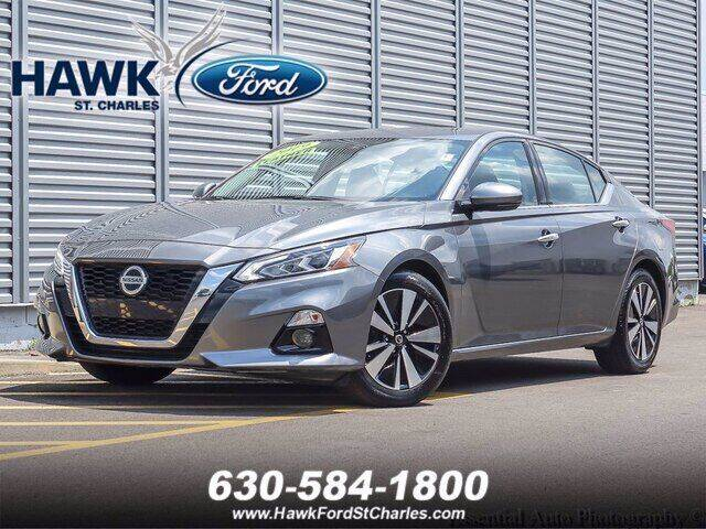 2019 Nissan Altima for sale at Hawk Ford of St. Charles in Saint Charles IL
