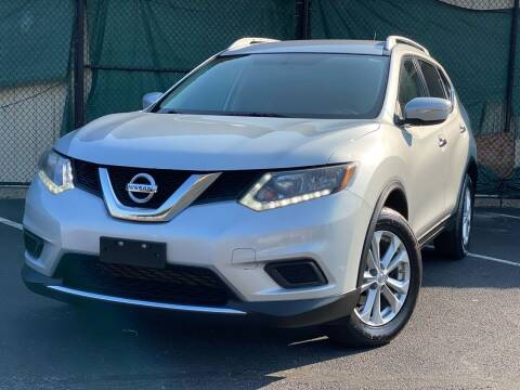 2015 Nissan Rogue for sale at Illinois Auto Sales in Paterson NJ