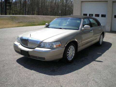 2005 Lincoln Town Car for sale at Route 111 Auto Sales in Hampstead NH