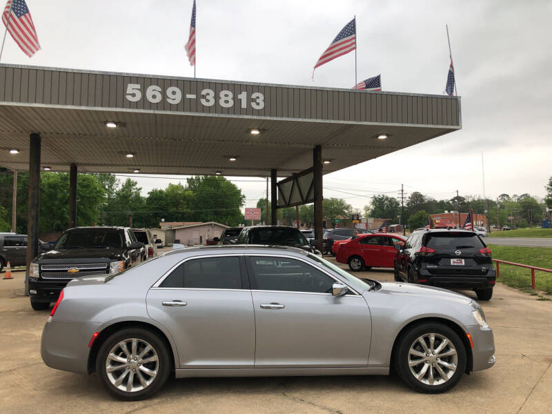 2016 Chrysler 300 for sale at BOB SMITH AUTO SALES in Mineola TX