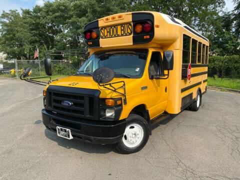 2008 Ford E-Series Chassis for sale at JMAC IMPORT AND EXPORT STORAGE WAREHOUSE in Bloomfield NJ
