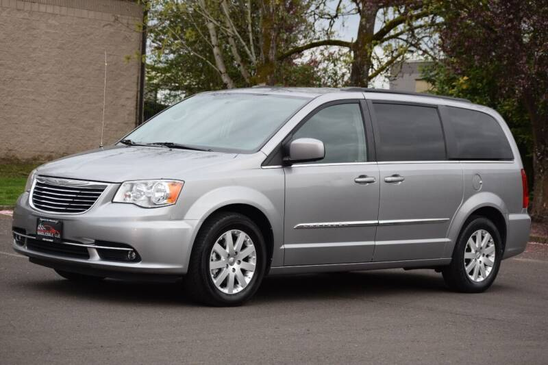 2016 Chrysler Town and Country for sale at Beaverton Auto Wholesale LLC in Hillsboro OR